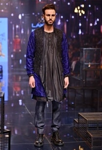 silk-kurta-set-with-breech-pants