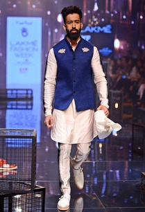 vanilla-corded-kurta-with-breech-pants-jacket