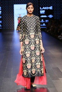 black-and-pink-embroidered-kurta-set
