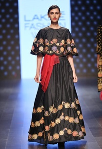 black-and-gold-embroidered-lehenga