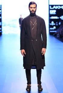 black-overlapped-jacket