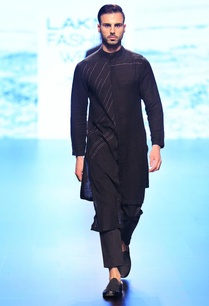 black-stripe-accented-kurta