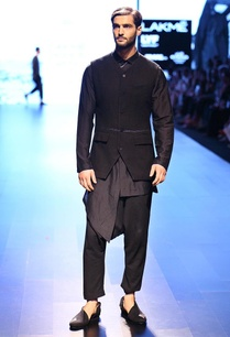 black-back-accented-trouser
