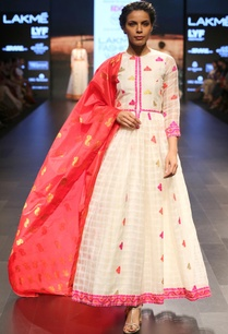 white-pink-embroidered-long-flared-tunic