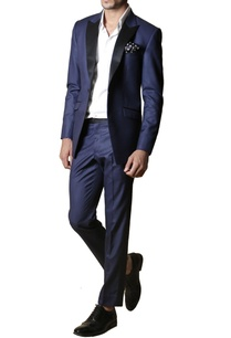 navy-blue-notch-collared-blazer