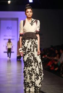 grey-black-bubble-rose-printed-sari-skirt
