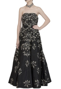 black-embroidered-strapless-gown