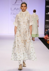 white-embroidered-printed-kurta-with-palazzo