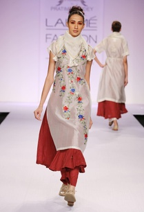 white-maroon-floral-kurta-with-palazzo