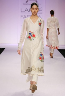 white-floral-thread-work-kurta-with-palazzo