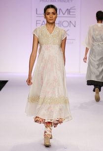 white-embroidered-floral-print-kurta-with-palazzo