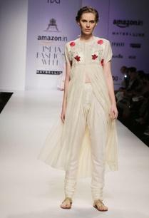 off-white-gold-sequins-embroidered-yoke-kurta-set