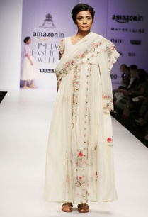 white-pink-floral-embroidered-kurta-set