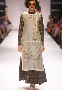 ivory-embroidered-tunic-green-chequered-anarkali