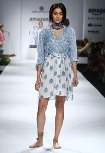 blue-white-printed-dress