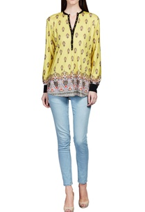 yellow-floral-printed-top