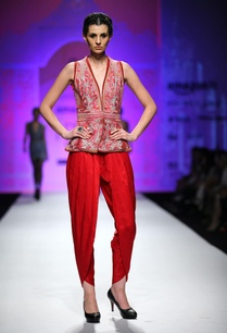 dark-pink-dhoti-pants
