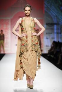 beige-draped-pre-stitched-sari