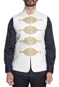 ivory-gold-embroidered-bandi