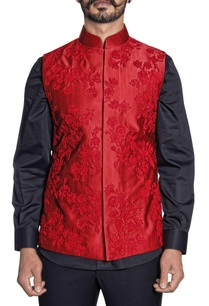 red-silk-floral-embroidered-bandi