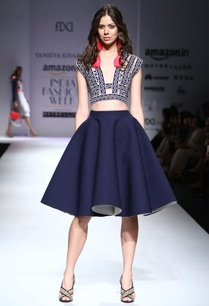 navy-blue-knee-length-skirt