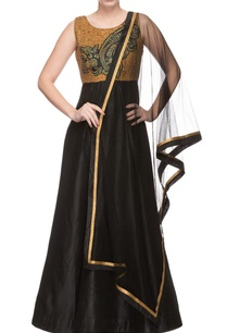 black-gold-embroidered-anarkali-dupatta