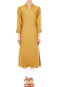 gold-mandarin-collar-kurta-with-printed-piping-on-the-cuffs