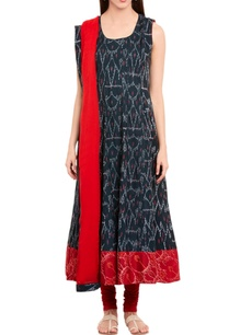 black-handwoven-ikat-kurta-with-dupatta