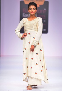 off-white-asymmetric-embroidered-kurta