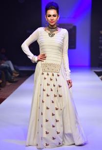 white-long-mirror-enhanced-dress