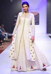 white-mirror-and-thread-embroidered-kurta