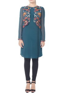 teal-tunic-with-kalamkari-work-on-the-flap