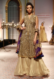 beige-zardosi-jewel-work-sleeveless-jacket