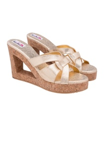 dull-fold-textured-wedges