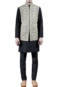 black-embroidered-kurta-set