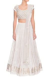 ivory-floral-embroidered-lehenga-set