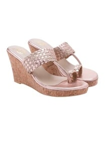 metallic-pink-wedged-sandals