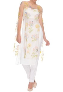white-floral-cape-with-kurta-and-pants