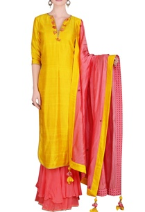 yellow-coral-kurta-set-with-tassels