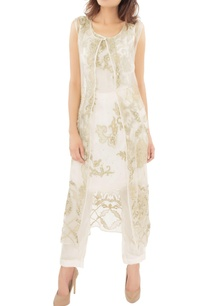 white-embroidered-tunic-with-jacket-trousers