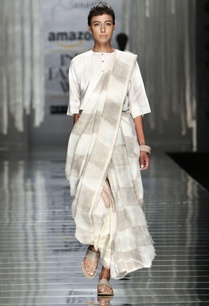 white-grey-handwoven-checkered-print-sari