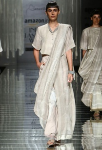 white-handwoven-sari-with-weave-detail