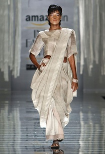 ivory-handwoven-sari-with-print-detail-on-the-drape