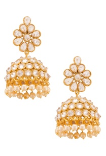 gold-plated-earrings-with-floral-accents