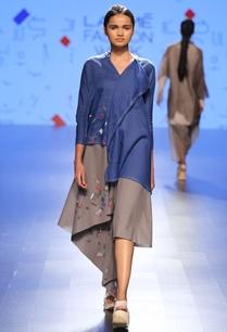 grey-asymmetric-print-dress