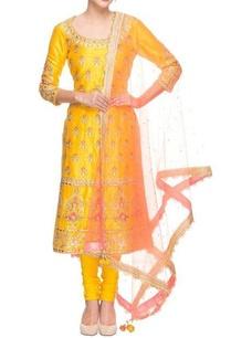 mango-yellow-embroidered-kurta-set