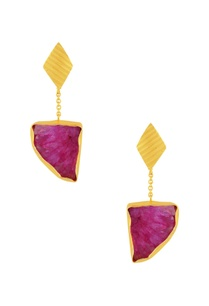 gold-plated-earrings-with-hot-pink-agate-stone