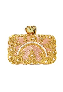 peach-zardozi-embroidered-clutch-with-rose-clasp