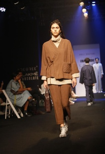 brown-relaxed-fit-trousers