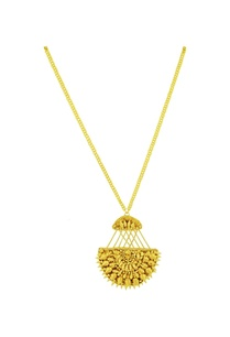 gold-chain-necklace-with-spiked-pendant
